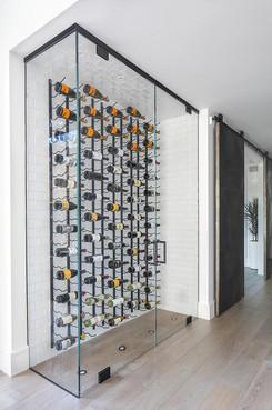 glass-wine-room-vertical-wine-racks.jpg