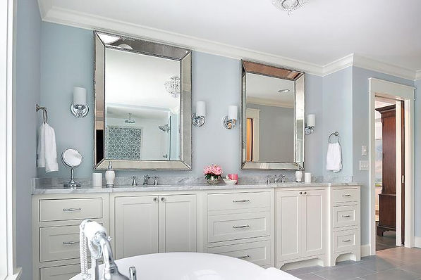 ivory-shaker-bath-cabinets-blue-bathroom