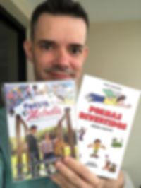 Flavio-com-DVD-e-livro.jpg