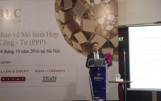 Luật sư Trần Tuấn Phong phát biểu khai mạc