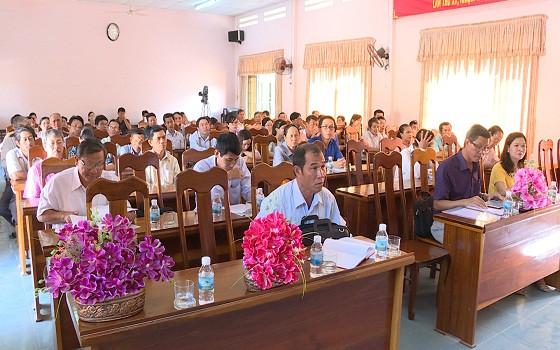 Quang cảnh buổi tiếp xúc cử tri tại xã Diên Lạc, Khánh Hòa