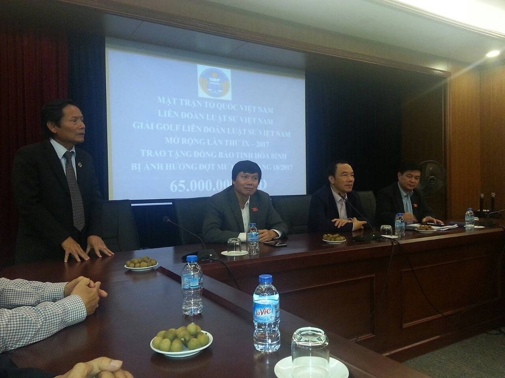 LS. Phan Trung Hoài, Phó Chủ tịch LĐLSVN phát biểu tại Lễ trao tặng