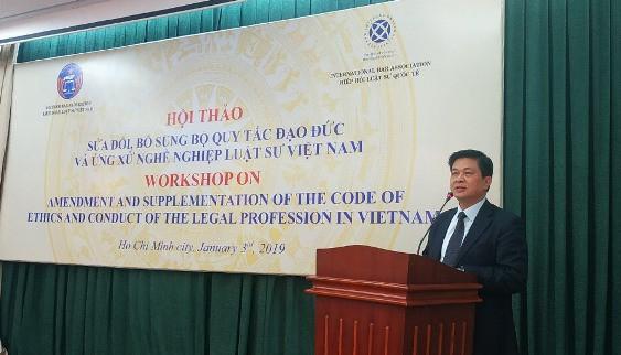 Luật sư Đỗ Ngọc Thịnh - Chủ tịch Liên đoàn Luật sư Việt Nam phát biểu khai mạc Hội thảo