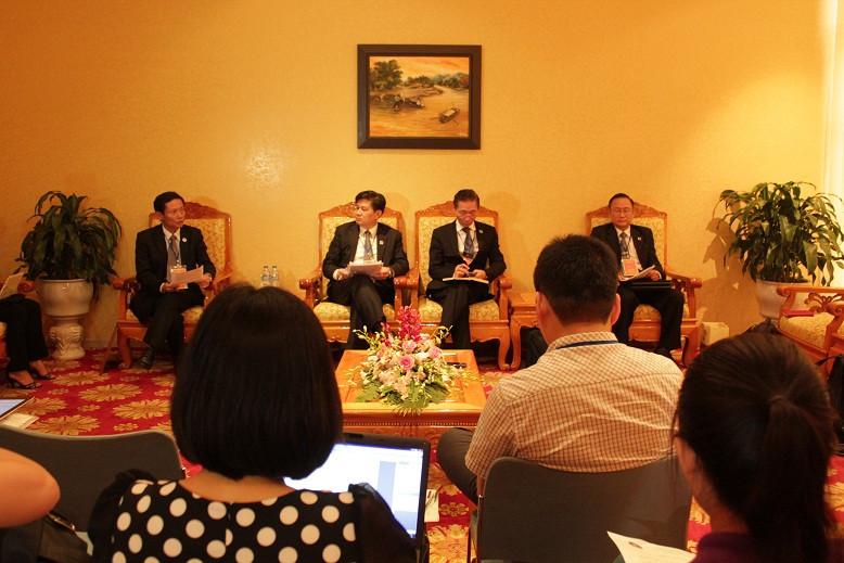 4 Phó Chủ tịch LĐLSVN nhiệm kỳ II chủ trì họp báo