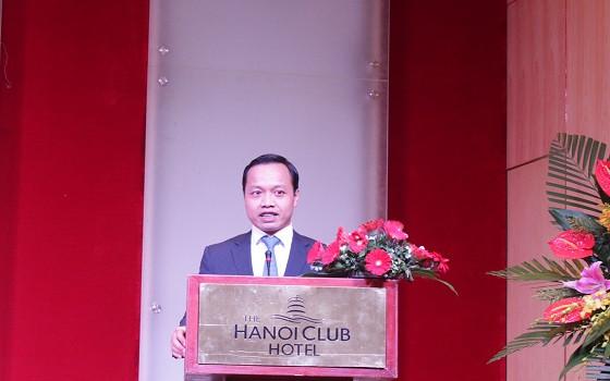 Thứ trưởng Bộ Tư pháp Trần Tiến Dũng phát biểu tại buổi gặp mặt
