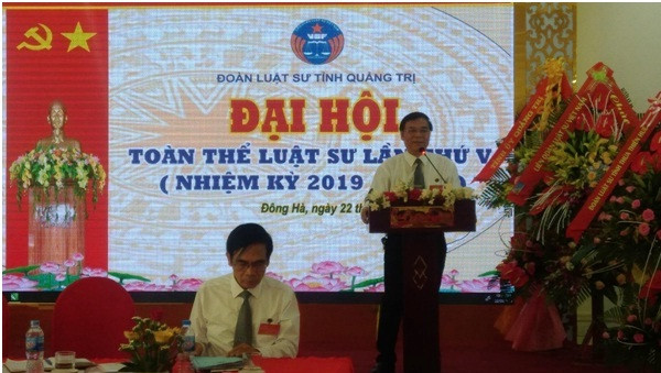 Luật sư Bùi Quảng Sinh – Chủ nhiệm Đoàn Luật sư tỉnh Quảng Trị nhiệm kỳ 2018 – 2023 đọc Báo cáo tổng kết công tác nhiệm kỳ IV