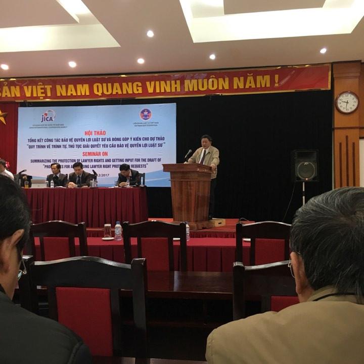LS. Trần Đình Triển - PCN ĐLS Tp. Hà Nội phát biểu tại Hội thảo
