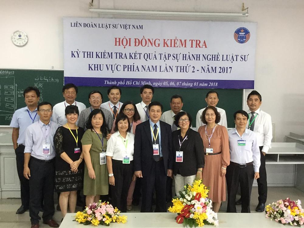 LS. Đỗ Ngọc Thịnh - Chủ tịch LĐLSVN (đứng giữa, hàng đầu) - chụp ảnh lưu niệm