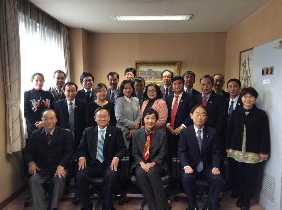 Đoàn công tác LĐLSVN chụp chung với đại diện LĐLS Nhật Bản