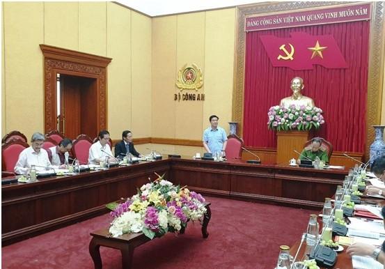Luật sư Đỗ Ngọc Thịnh - Bí thư Đảng Đoàn, Chủ tịch LĐLSVN phát biểu ý kiến tại cuộc họp với Lãnh đạo Bộ Công an và các Cục chức năng