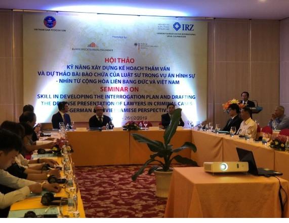 Luật sư Phan Trung Hoài – Phó Chủ tịch Liên đoàn Luật sư Việt Nam chủ trì Hội thảo tại Nha Trang