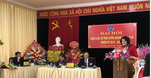 Luật sư Nguyễn Thị Quỳnh Anh - Phó chủ tịch Liên đoàn luật sư Việt Nam phát biểu chỉ đạo Đại hội