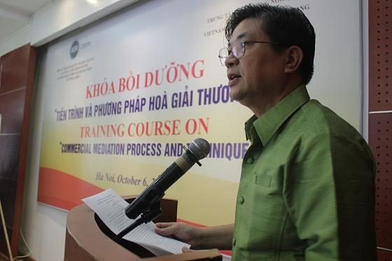 Luật sư Đỗ Ngọc Thịnh phát biểu khai mạc khóa bồi dưỡng