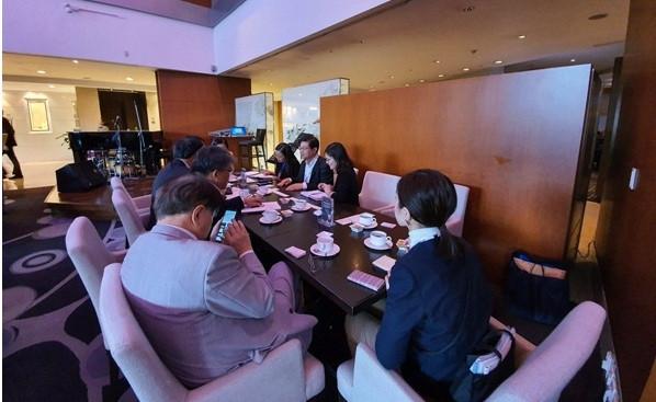 Đoàn công tác của Liên đoàn luật sư Việt Nam trong cuộc gặp xã giao với Đoàn công tác của Liên đoàn luật sư Nhật Bản