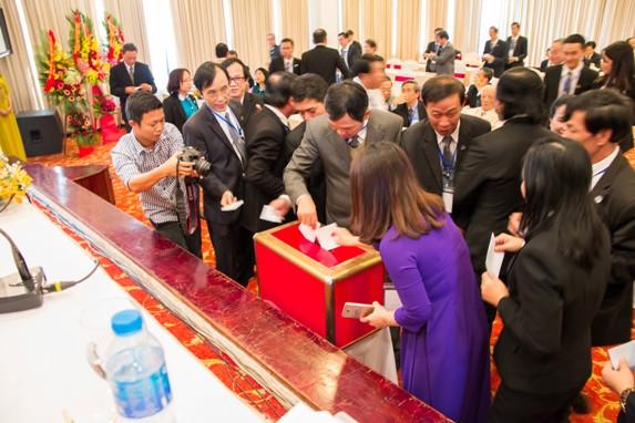 Các đại biểu bầu Ban Chủ nhiệm và Hội đồng Khen thưởng kỷ luật