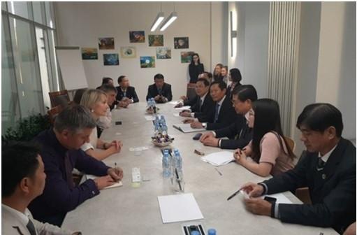 Nữ Luật sư Irina Onikienko, Luật sư Igor Gorokov là các Partner của Capital Legal Services trao đổi kinh nghiệm quản trị và điều hành với các luật sư đồng nghiệp Việt Nam.