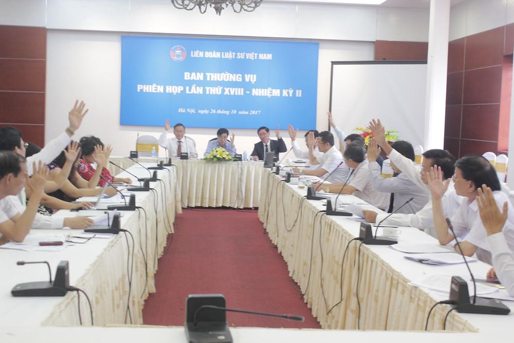Các Ủy viên Ban thường vụ biểu quyết 100% nhất trí các nội dung của Phiên họp