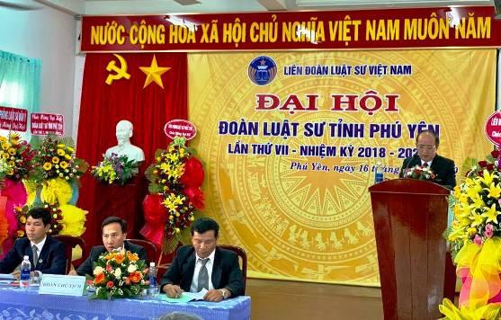 Ông Phan Đình Phùng - Phó Chủ tịch tỉnh Phú Yên phát biểu chỉ đạo đại hội.