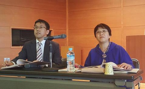 Luật sư Tsukahara Masanori - chuyên gia Dự án JICA (bên trái - ảnh: Hoài Phan)