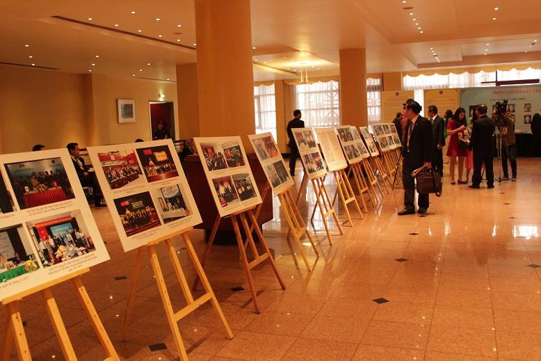 """Triển lãm ảnh """"Dấu ấn luật sư Việt Nam"""" được tổ chức trong thời gian diễn ra Đại hội tại Trung tâm Hội nghị quốc tế"""