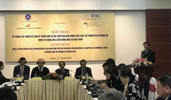 Luật sư Đỗ Ngọc Thịnh – Chủ tịch Liên đoàn Luật sư Việt Nam phát biểu khai mạc Hội thảo