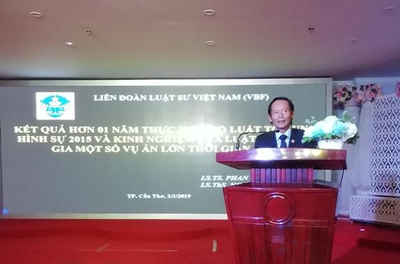 Luật sư Phan Trung Hoài khai mạc lớp bồi dưỡng