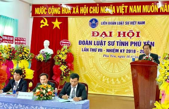 Luật sư Ts. Phan Trung Hoài - Phó Chủ tịch Liên đoàn luật sư Việt Nam phát biểu chỉ đạo đại hội.