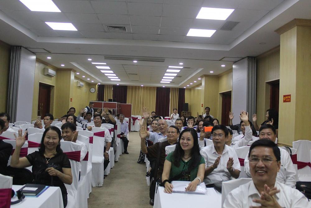 Luật sư Đào Ngọc Lý và các đại biểu tham dự Hội thảo tại Hà Nội