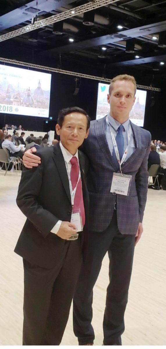 Ls Phan Trung Hoài chụp lưu niệm với LS Aleksandr Shefer tại Hội nghị thường niên Hiệp hội Luật sư quốc tế (IBA) năm 2018 tại Rome (Italy).