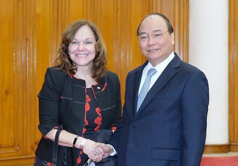 Thủ tướng Nguyễn Xuân Phúc và bà Hilarie Bass, Chủ tịch Hiệp hội Luật sư Hoa Kỳ