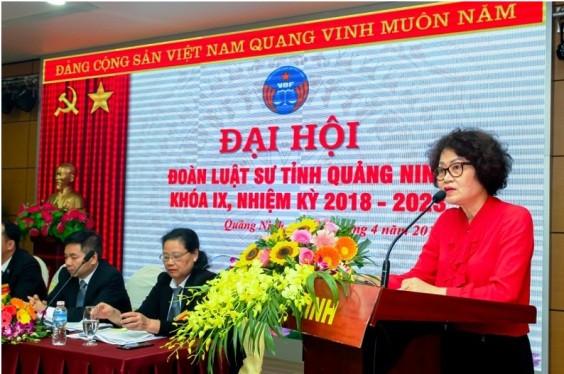 Luật sư Nguyễn Thị Quỳnh Anh – Phó Chủ tịch Liên Đoàn Luật sư Việt Nam phát biểu tại Đại hội