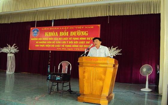 GS.TS.LS Đỗ Ngọc Quang truyền đạt chuyên đề đến các luật sư