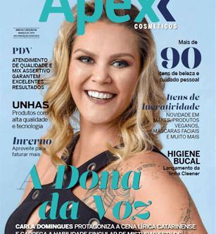 Carla é capa de Revista