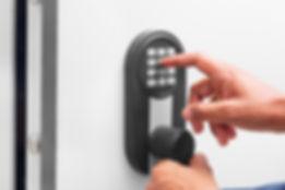 smart locks for vacation rentals best locks for vacation rentals best smart locks smart lock for Airbnb smart locks for rental houses residential locksmith commercial locksmith top locksmith top local locksmith