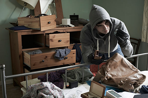 burglar in bedroom, Facts About Home Break-ins, facts about burglars, about burglaries, facts about thieves, information about burglars, what do burglars take, when do burglaries happen, prevent break-ins