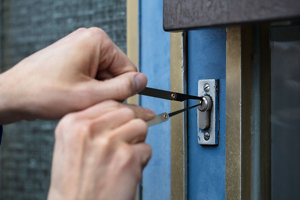 10 tips on Hiring a locksmith certified