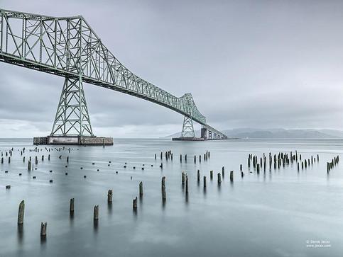 astoria_bridge_by_derek_jecxz.jpg