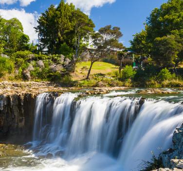 Haruru Falls near by