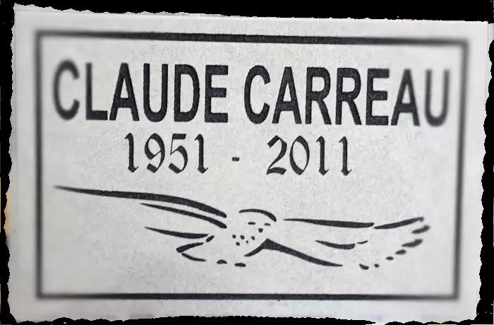 Pierre commémorative pour une ornithologue amateur.