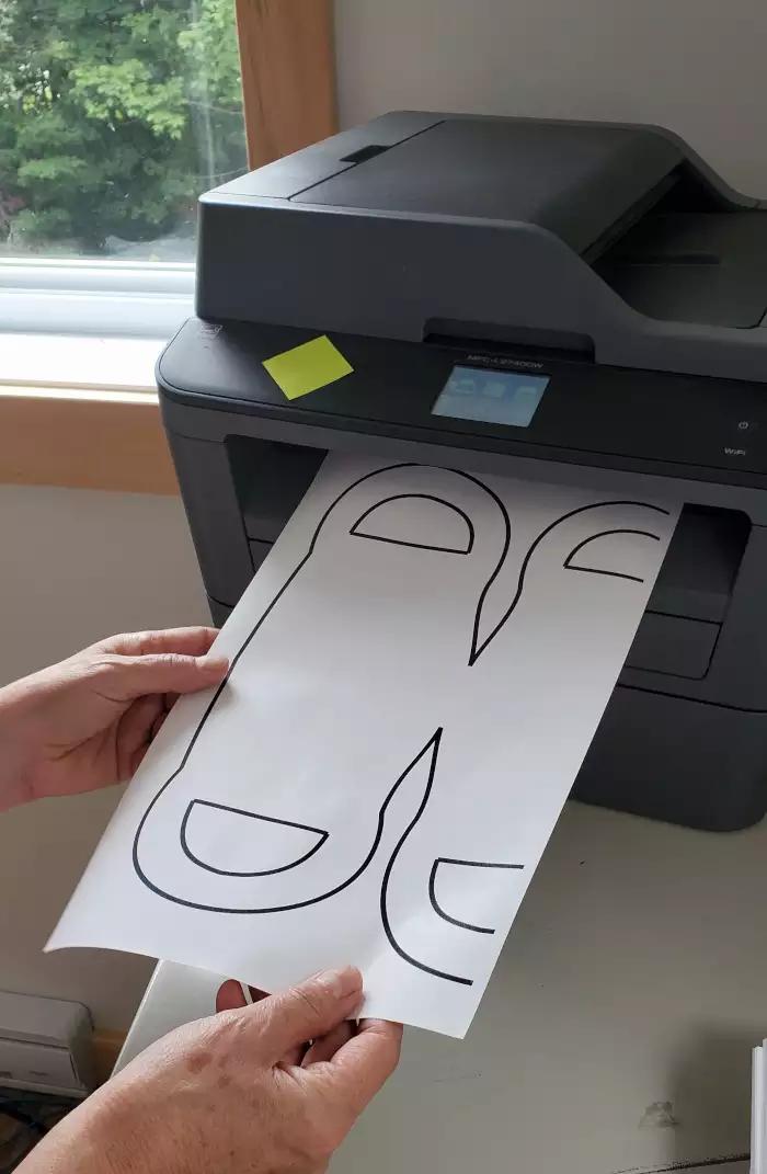 Un patron gratuit imprimé.