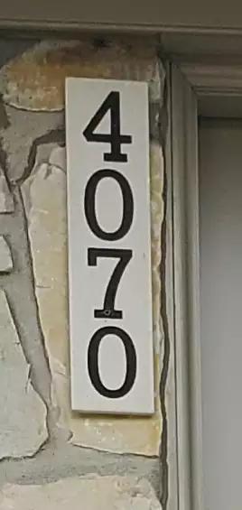 Adresse civique gravée dans la pierre : résultat.