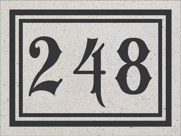 Combinaison de la plaque d'adresse 471 avec les numéros civiques de 248.