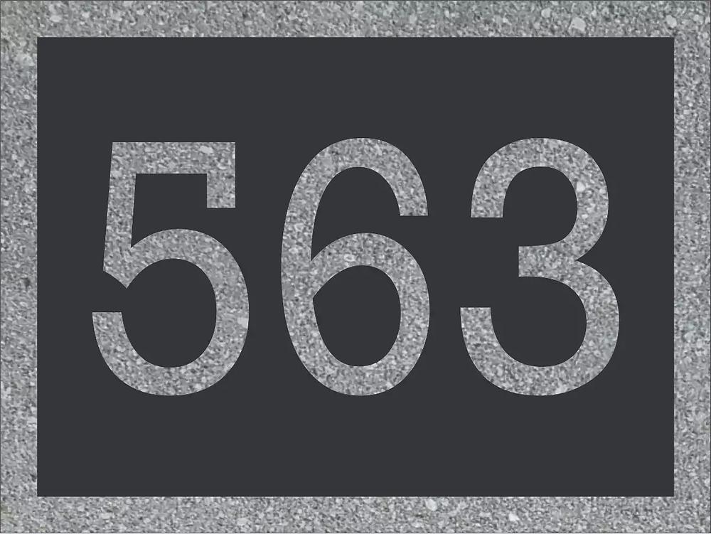 Combinaison de la plaque d'adresse 563 avec les numéros civiques de 769.