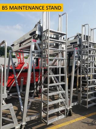 B5 Maintenance Stand