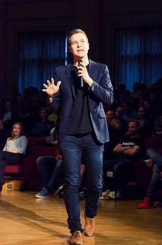 Social scientists as startup entrepreneurs?