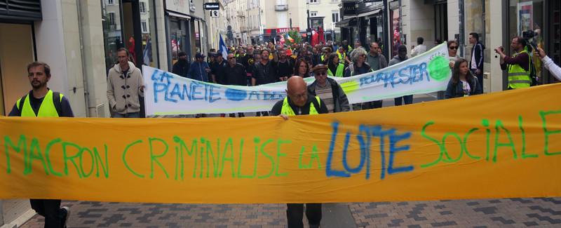Macron criminalise la lutte sociale