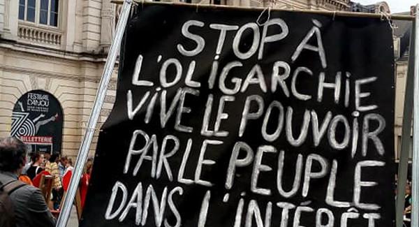 Stop à l'oligarchie
