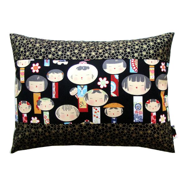 Coussin_Kokeshi_noir_cerisier_doré_-_Sylvie_Guieysse_Pillows