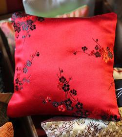 Sachet de lavande satin rouge et noir - Sylvie Guieysse Pillows