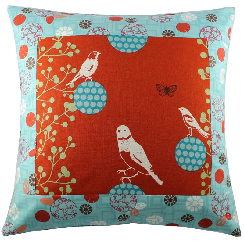 Coussin Un petit oiseau rouge Sylvie Guieysse